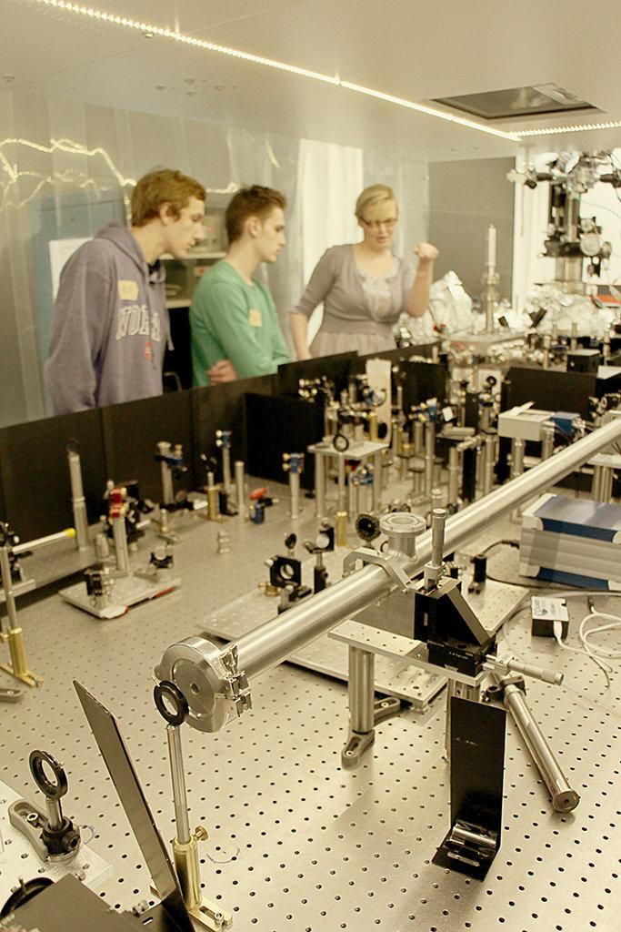 Ask a student - Physik im Labor 1/6 (Foto: Kiro Mohrfeld)