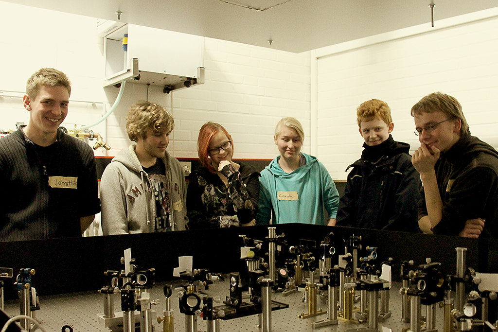 Ask a student - Physik im Labor 4/6 (Foto: Kiro Mohrfeld)