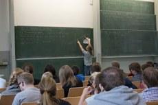 PerLe-Vorkurs Mathematik für Studienanfängerinnen und -anfänger